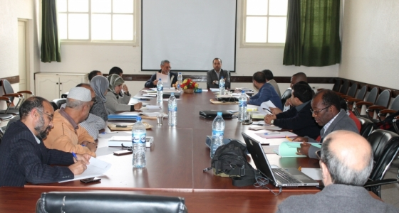 فريق المستشارين بجماعة أكادير في اجتماع لعرض أداء المكتب المسير